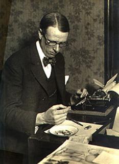 Harry Sinclair Lewis (n. 7 februarie , 1885, în Sauk Centre, Minnesota – d. 10 ianuarie, 1951, Roma, Italia) a fost prozator american. A fost primul american care a luat Premiul Nobel pentru Literatură în anul 1930 - foto: cersipamantromanesc.wordpress.com