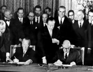 22 ianuarie 1963: Se semneaza Tratatul de la Elysée dintre Republica Franceza si RFG - foto: cersipamantromanesc.wordpress.com