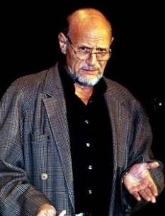 Tudor Mărăscu (n. 10 noiembrie 1940 - d. 22 ianuarie 2012) a fost un regizor român de teatru și film. A fost profesor universitar la Universitatea de Artă Teatrală și Cinematografică din București - foto: yorick.ro