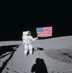 5 februarie 1971: Aselenizarea navei Apollo 14. În fotografie comandantul misiunii, Alan Shepard - foto: ro.wikipedia.org