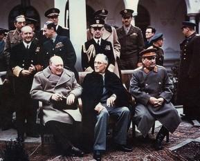 Churchill, Roosevelt şi Stalin la Yalta, în 1945 - foto: ro.wikipedia.org