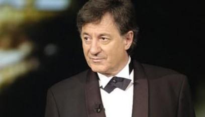 """Ion Caramitru (n. 9 martie 1942, București) este un actor de teatru și film, dar și regizor român de origine aromână. Este președinte al UNITER din 1990, iar în prezent, din 2005 este directorul Teatrului Național din București. Ion Caramitru a absolvit Institutul de Artă Teatrală și Cinematografică I.L. Caragiale, clasa profesor Beate Fredanov, în 1964, când a și debutat pe scena Teatrului Național din București, în """"Eminescu"""", de Mircea Ștefănescu. A fost actor și regizor la Teatrul Bulandra, al cărui directorat l-a și deținut în perioada 1990 - 1993. A fost ministrul Culturii între anii 1996 - 2000. Este căsătorit cu actrița Micaela Caracaș și are trei fii: Ștefan, Andrei și Matei Caramitru - foto: cersipamantromanesc.wordpress.com"""