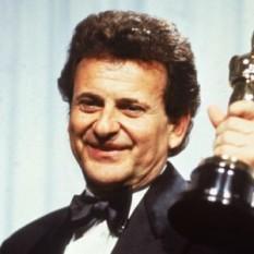"""Joseph Frank """"Joe"""" Pesci (pɛʃi, n. 9 februarie 1943) este un actor american de origine italiană - foto: biography.com"""