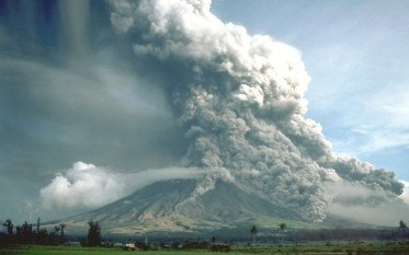 1 februarie 1814: Vulcanul Mayon, situat în Filipine, a erupt, provocând moartea a aproximativ 1.200 de persoane - foto: ro.wikipedia.org