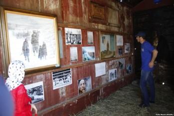La o expoziție de picturi dedicată, la Groznîi, amintirii cecenilor victime ale deportării - foto: europalibera.org