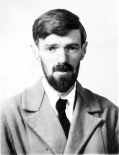 David Herbert Richards Lawrence (n. 11 septembrie 1885 - d. 2 martie 1930) a fost un scriitor englez. Opera sa, puternic influențată de psihanaliza freudiană, exprimă efectul industrializării asupra ființei umane, conflictul dintre instinct și intelect, revolta împotriva supraevaluării spiritualului și reprimării senzualității naturale, ca manifestări puritane, pledând pentru întoarcerea la natură și reintegrarea erosului, întrevăzut ca o forță sacră a vieții, printre valorile esențiale ale umanității - foto: ro.wikipedia.org