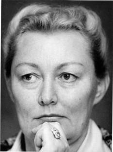 Elisabeta Bostan (n. 1 martie 1931, orașul Buhuși, județul Bacău) este o regizoare și scenaristă de film română, profesor universitar. Este cunoscută drept regizor de filme pentru copii, deoarece lor le-a dedicat cea mai mare parte din creațiile sale cinematografice. A primit numeroase distinctii la festivaluri internationale consacrate filmelor pentru copii si tineret - foto: cinemagia.ro