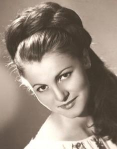 Filofteia Lăcătușu (n. 7 iunie 1947 - d. 4 martie 1977) a fost o solistă de muzică populară din Oltenia - foto: ro.wikipedia.org