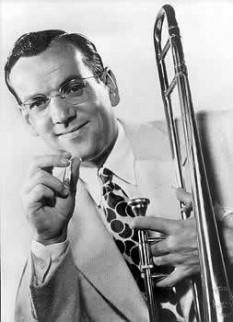 Alton Glenn Miller (March 1, 1904 – missing in action December 15, 1944) was an American big band musician, arranger, composer, and bandleader in the swing era - foto: cersipamantromanesc.wordpress.com