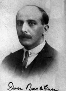 """Ion Barbu (n. Dan Barbilian, 18 martie 1895, Câmpulung-Muscel, d. 11 august 1961, București) a fost un poet și matematician român. Ca matematician este cunoscut sub numele Dan Barbilian. A fost unul dintre cei mai importanți poeți români interbelici, reprezentant al modernismului literar românesc. Dan Barbilian era fiul judecătorului Constantin Barbillian (care și-a latinizat numele inițial """"Barbu"""") și al Smarandei, născută Șoiculescu - foto: cersipamantromanesc.wordpress.com"""
