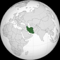 """Iran (Republica Islamică Iran, și până la 1935 cunoscută internațional ca Persia, este o țară în Asia de Sud-Vest, situată între coasta de nord-est al Golfului Persic și coasta sudică a Mării Caspice. Din anul 1949 sunt folosite atât numele """"Persia"""", cât și """"Iran"""". """"Iran"""" este utilizat între funcționari și în contextul politic-statal. Numele """"Iran"""" este un înrudit cu cuvântul """"arian"""""""" și înseamnă """"teren de aur"""" - in imagine, Amplasarea Iranului - foto preluat de pe ro.wikipedia.org"""