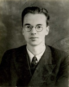 Emil Julius Klaus Fuchs (29 December 1911 – 28 January 1988) was a German theoretical physicist and atomic spy (Police photograph of Klaus Fuchs ca. 1940) -  foto: en.wikipedia.org