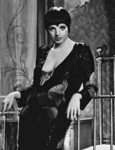 Liza May Minnelli (n. 12 martie 1946) este o actriță, cântăreață și dansatoare americană, laureată a premiului Oscar pentru rolul din musicalul Cabaret. Este fiica actriței Judy Garland și a celui de al doilea soț al acesteia, Vincente Minnelli - in imagine, Liza Minnelli ca Sally Bowles în Cabaret - foto: ro.wikipedia.org
