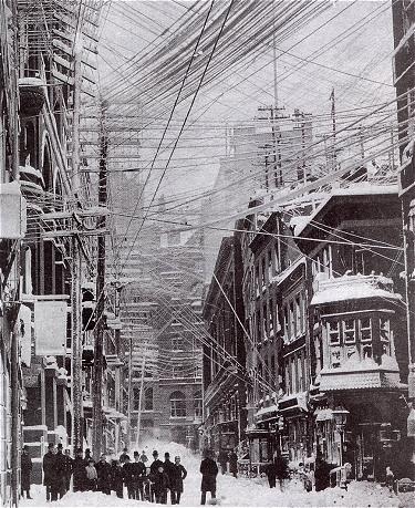 Marele viscol din 1888 este denumirea unei furtuni de zăpadă din perioada 11 - 14 martie 1888, care s-a abătut asupra coastei de est a SUA și care a afectat în special statele New Jersey, New York, Massachusetts și Connecticut, unde au fost depuneri de zăpadă de până la 150 cm, iar vântul a suflat cu viteză de până la 72 km/h - foto: ro.wikipedia.org