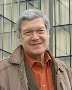 Mircea Anghelescu ( * 12 martie 1941, București ) este un cercetător literar, critic literar, filolog, istoric literar, paleograf și pedagog român. A fost profesor doctor la Facultatea de Litere a Universității București. În decembrie 2011 a fost declarat de către Senatul Universității din București profesor emerit - foto: zf.ro