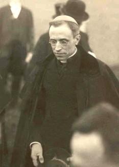 Pius al XII-lea, născut Maria Giuseppe Giovanni Eugenio Pacelli (n. 2 martie 1876, Roma – d. 9 octombrie 1958, Castel Gandolfo, Italia) a fost papă al Bisericii Catolice între anii 1939 - 1958 - foto: ro.wikipedia.org