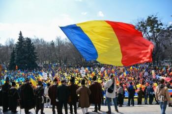 """Sfatul Ţării 2 şi marşul unionist """"Dăm start Unirii"""" - foto: Cristina Zelinschi - actiunea2012.ro"""