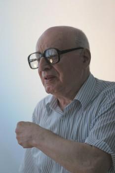 Solomon Marcus (n. 1 martie 1925, Bacău) este un matematician român de etnie evreiască, membru titular (2001) al Academiei Române. Deși domeniul principal al cercetărilor sale a fost analiza matematică, matematica și lingvistica computațională, a publicat numeroase cărți și articole pe diferite subiecte culturale, din poetică, lingvistică, semiotică, filosofie, sau istoria științei și a educației - foto: ro.wikipedia.org