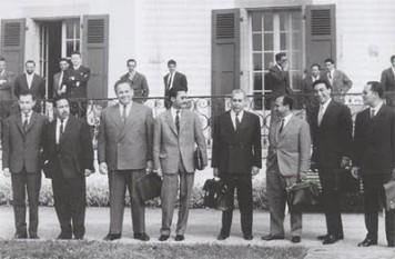 18 martie 1962: A fost semnat Tratatul franco-algerian de la Evian, privind acordarea independenţei Algeriei. Sfîrşitul războiului de eliberare a Algeriei inceput in 1954 - foto: cersipamantromanesc.wordpress.com