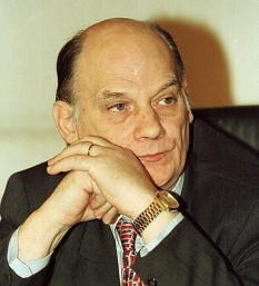 Ulm Nicolae Spineanu (n. 2 martie 1943, București; d. 26 aprilie 2006, București) a fost un politician român - foto; romanialibera.ro