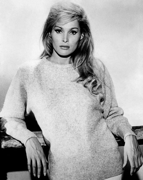 Ursula Andress (n. 19 martie 1936) este o actriță elvețiană de film - in imagine, Ursula Andress in the 1960s - foto: en.wikipedia.org