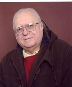 Virgil P. Nemoianu (n. 12 martie 1940, București) este un eseist, critic literar, filozof al culturii și pedagog american născut în România. Deși este etichetat, în general, ca un specialist în literatură comparată, în realitate activitatea sa intelectuală acoperă un domeniu mult mai larg de preocupări și realizări. Filozofia gândirii sale îl plasează undeva în zona comună a neo-platonismului și a neo-kantismului, pe care le-a transformat într-un instrument menit să clarifice și să cuantifice asperitățile și chiar absurditățile modernismului și ale postmodernismului. Alegând la începutul carierei sale academice în mod deliberat o scriitură plasată la nivelul orizonturilor intelectuale ale unui Goethe și Leibniz, a continuat să mențină acest nivel spiritual înalt în toate cărțile sale - in imagine, Virgil P. Nemoianu în anul 2005 - foto: ro.wikipedia.org