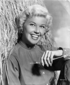 Doris Day (născută Doris Mary Ann von Kappelhoff la 3 aprilie 1922) este o foarte populară actriță americană de film - foto: ro.wikipedia.org