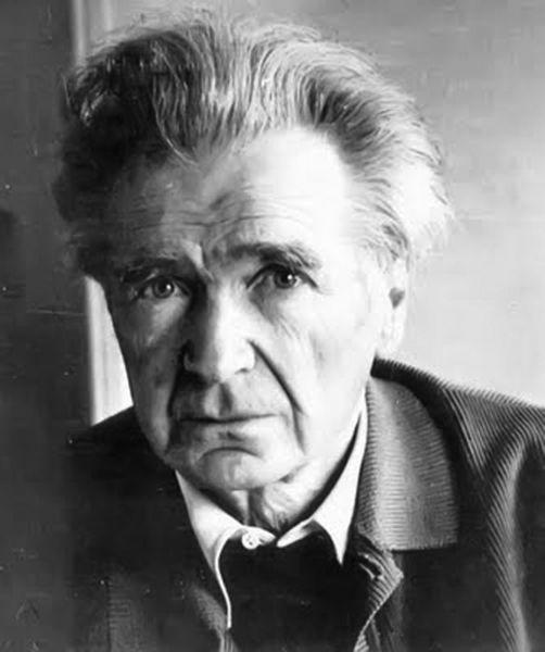 Emil Cioran (n. 8 aprilie 1911, Rășinari; d. 20 iunie 1995, Paris) filozof și scriitor român stabilit în Franța, unde a trăit până la moarte fără să ceară cetățenia franceză - foto preluat de pe metalgear.wikia.com