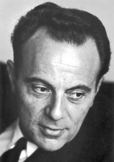 François Jacob (n. 17 iunie 1920, Nancy – d. 19 aprilie 2013) a fost un cercetător și medic francez, laureat al premiului Nobel pentru fiziologie sau medicină. A fost cancelar al Ordre de la Libération(fr) între anii 2007 - 2011 - foto: ro.wikipedia.org