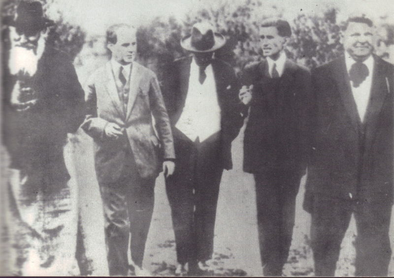 Left to right: Gala Galaction, I. Rosenthal, D. D. Pătrășcanu, Panait Istrati and Mihail Sadoveanu - foto preluat de pe en.wikipedia.org