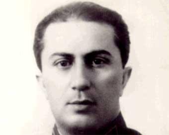 Iakov Iosifovici Djugașvili (n. 18 martie 1907- d. 14 aprilie 1943) a fost unul dintre cei trei copii ai lui Iosif Vissarionovici Stalin, ceilalți doi fiind: Svetlana Allilueva și Vasili Stalin - foto: ro.wikipedia.org