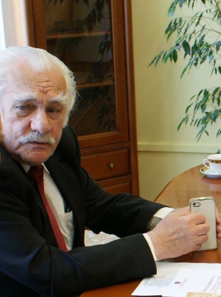 Ionel Haiduc (n. 9 mai 1937, Cluj, județul Cluj) este un chimist, profesor la Universitatea Babes-Bolyai Cluj-Napoca, academician român, ales pe 5 aprilie 2006 în funcția de președinte al Academiei Române. A fost ales membru de onoare al Academiei de Științe a Moldovei - foto: ro.wikipedia.org