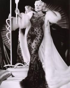 Mae West (17 august 1893 – 22 noiembrie 1980) a fost o actriță și sex simbol american - foto: ro.wikipedia.org