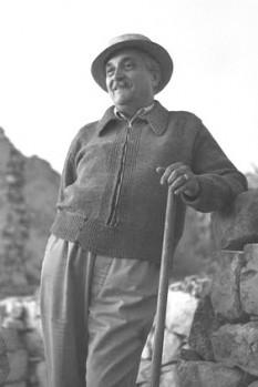Marcel Iancu (cunoscut și ca Marcel Janco, n. 24 mai 1895, București - d. 21 aprilie 1984, Ein Hod, Israel) a fost un pictor, arhitect și eseist român-israelian, de origine evreiască. A absolvit în 1917 Academia de Arhitectură din Zurich. A studiat pictura cu Iosif Iser - foto: ro.wikipedia.org