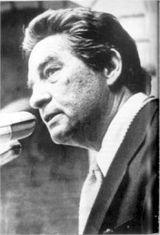 """Octavio Paz (n. 31 martie 1914 - d. 19 aprilie 1998) a fost un poet, eseist și diplomat mexican, una din figurile literare de prima mărime ale Americii Latine. În 1990 i s-a acordat Premiul Nobel pentru Literatură. Motivația Juriului Nobel """"Pentru a onora scrierile pasionate de orizonturi largi, caracterizate de inteligență senzuală și integritate umanistă."""" - foto: ro.wikipedia.org"""