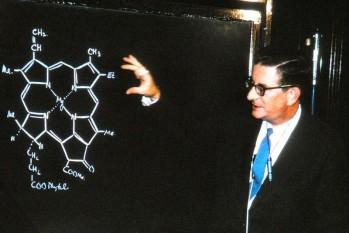 Robert Burns Woodward (n. 10 aprilie 1917; d. 8 iulie 1979) a fost un chimist american, laureat al Premiului Nobel pentru chimie (1965) - foto: ro.wikipedia.org