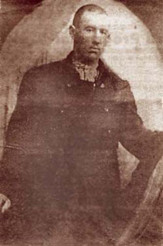 """Ștefan Vasali (n. 1895/1896 – d. 4 iunie 1927, canalul Cravia, zona Brăilei), cunoscut și sub poreclele Terente și """"Regele bălților"""", a fost un celebru bandit român (lipovean). Numele său este scris uneori Ștefan Vasili - in imagine, Ștefan Vasali, zis Terente - foto: ro.wikipedia.org"""