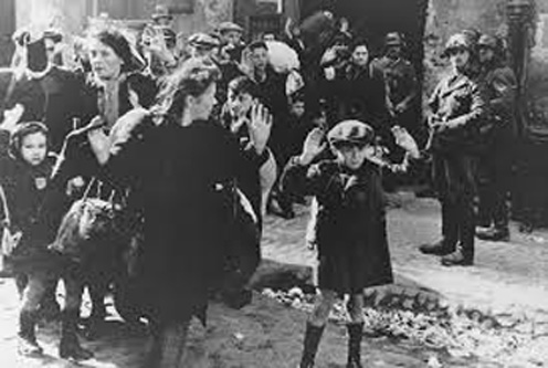 19 aprilie 1943: Rascoala evreilor din in ghetoul din Varsovia - foto: cersipamantromanesc.wordpress.com