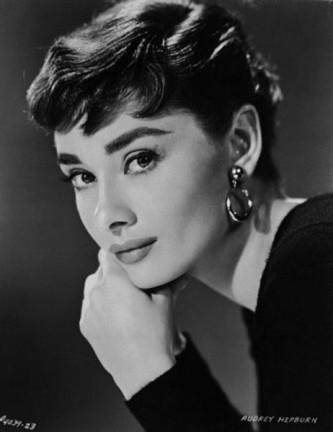 Audrey Hepburn (născută Audrey Kathleen Ruston, n. 4 mai 1929 – d. 20 ianuarie 1993) a fost o actriță de film britanică - foto: biography.com