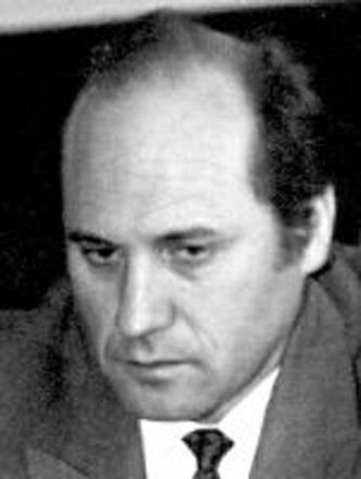 Géza Domokos (n. 18 mai 1928, Brașov - d. 27 iunie 2007, Târgu Mureș) a fost un scriitor și om politic maghiar transilvănean. A fost primul președinte al UDMR, deputat în legislatura 1990-1992, ales în județul Covasna pe listele formațiunii pe care a prezidat-o - foto: ro.wikipedia.org