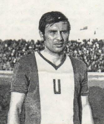 Ion Oblemenco (n. 13 mai 1945, Corabia - d. 1 septembrie 1996, Agadir) a fost un fotbalist român, care, în ciuda numărului mare de goluri marcate, n-a fost selecționat niciodată în Echipa națională de fotbal a României. A fost poreclit Tunarul din Bănie, pentru eficacitatea sa la marcarea golurilor - foto: ro.wikipedia.org