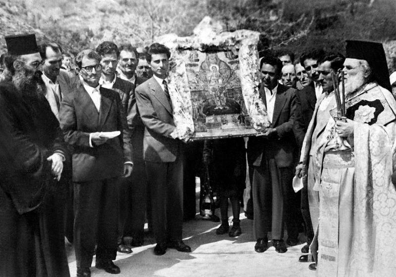 Procesiune la praznicul de Izvorul Tămăduirii 1959 în Arcadia, Grecia - foto preluat de pe  ro.orthodoxwiki.org