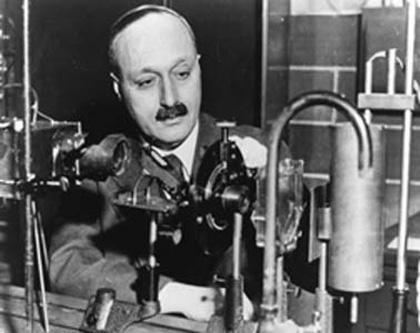 James Franck (n. 26 august 1882, Hamburg, Germania – d. 21 mai 1964, Göttingen, RFG) a fost un fizician de origine germană, laureat al Premiului Nobel pentru Fizică, pentru descoperirea legilor care guvernează impactul dintre un electron și un atom - foto: ro.wikipedia.org