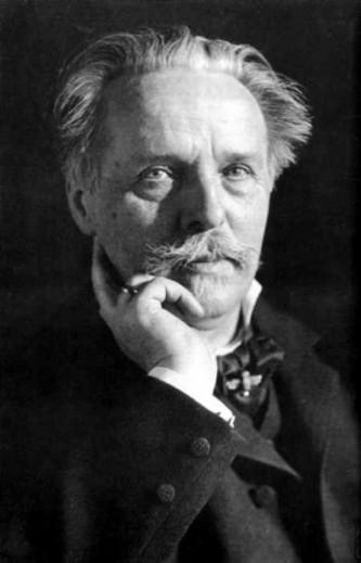 Karl Friedrich May (sau mai corect Carl Friedrich May) (n. 25 februarie 1842 la Ernstthal, d. 30 martie 1912 la Radebeul) a fost, timp de decenii, unul dintre scriitorii germani cei mai productivi și mai citiți, fiind cunoscut pentru romanele sale de aventuri. Mai cunoscute sunt romanele sale cu povestiri de călătorie din orient sau de pe pe teritoriul SUA și al Mexicului. O mare parte din operele sale au fost ecranizate, sau adaptate pentru piese de teatru - inimagine, Karl May în 1907 - foto: ro.wikipedia.org