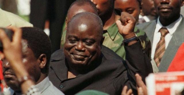 Laurent-Désiré Kabila (n. 27 noiembrie 1939 – d. 18 ianuarie 2001) a fost președintele Republicii Democrate Congo începând din 17 mai 1997, când l-a răsturnat pe dictatorul Mobutu Sese Seko, până când a fost asasinat de gărzile sale de corp la 18 ianuarie 2001. I-a urmat la conducere fiul său Joseph - foto: lopinion.fr