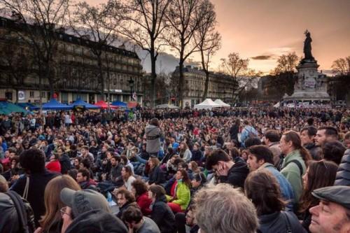 Dezbatere în stradă. Nuit Debout București - foto: facebook.com