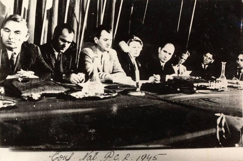 The Communist Party's National Conference of October 1945. Pictured, left to right: Vasile Luca, Constantin Pîrvulescu, Lucrețiu Pătrășcanu, Ana Pauker, Teohari Georgescu, Florica Bagdasar and Gheorghe Vasilichi - foto preluat de pe en.wikipedia.org
