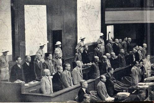 3 mai 1946: Potrivit rechizitoriului din 29 aprilie, începe audierea în procesele de la Tokyo, împotriva membrilor japonezi ai armatei imperiale și a foștilor oficiali guvernamentali invinuiti de crime de razboi - foto: ro.wikipedia.org