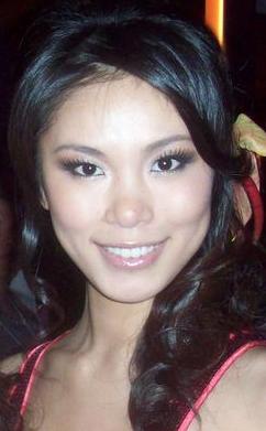 Riyo Mori (n. 24 decembrie 1986, Shizuoka, Japonia) este un fotomodel japonez. Ea a fost aleasă în anul 2007 Mexico City, Miss Universe. Riyo Mori a câștigat în fața candidatei Taliana Vargas din Columbia. Coroana de regină a frumuseții o primește de la Zuleyka Rivera fosta câștigătoare a titlului din anul precedent. Ea este dansatoare pentru trupa de Visual kei Duel Jewel - foto: ro.wikipedia.org