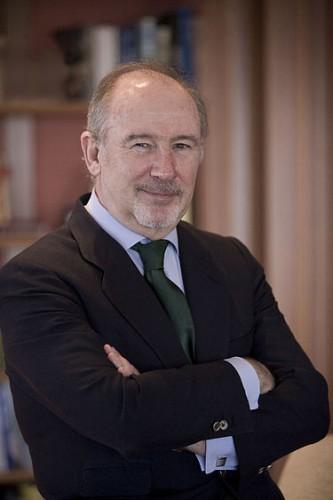 Rodrigo de Rato y Figaredo, (n. 18 martie 1949, Madrid), este un politician spaniol, care a deținut funcția de viceprim-ministru și ministru al economiei în cei opt ani de guvernare a Spaniei de către Partidul Popular. A fost director al Fondului Monetar Internațional în perioada 2004-2007 - foto: ro.wikipedia.org